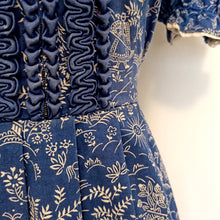 Load image into Gallery viewer, 1930s 1940s - Mint Cond - Novelty Print Rayon Dirndl Dress - W31 (78cm)