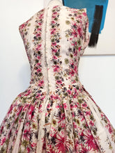Load image into Gallery viewer, 1950s - Dolly Day, London - Stunning Rayon Silk Floral Dress - W25 (64cm)