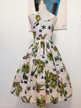 Charger l'image dans la galerie, 1950s - Stunning Palm Trees At Dawn Dress - W32 (82cm)