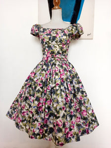 1940s 1950s - Adorable Puff Shoulders Floral Dress - W28 (70cm)