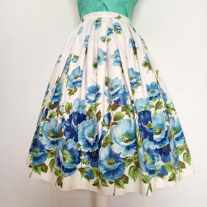1950s - St. Michael, UK - Adorable Massive Blue Roses Skirt - W26 (66cm)
