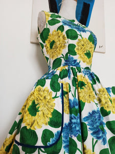 1950s - Gorgeous Massive Pockets Floral Cotton Dress - W30 (76cm)