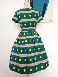 1950s - Fabulous Green Belted Rayon Dress - W28 (70cm)