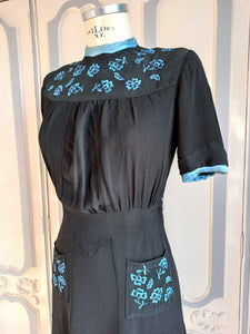 1930s - Precious Rayon Crepe Embroidery Dress - W31 (78cm)
