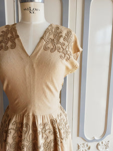 1940s - Glorious Sand Rayon Embroidery Dress - W30 (76cm)
