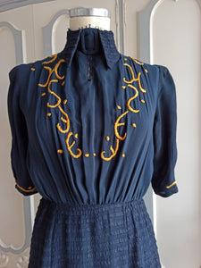 1930s - Divine Collar Embroidery Sheer Crepe Dress - W27 (68cm)