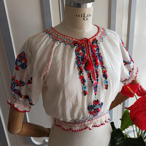 "1930s - Gorgeous Hungarian Handembroidery Blouse - W24 to 31"" (60 to 78cm)"