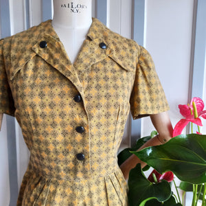 1940s 1950s - Pretty Olive Green Mustard Cotton Day Dress - W35 (90cm)