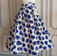 Load image into Gallery viewer, 1950s - DEADSTOCK NWT - Navy Bubbles  Barkcloth  Skirt - W24.5 (62cm)
