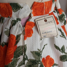 Load image into Gallery viewer, 1950s - DEADSTOCK NWT - Stunning Orange Roses Cotton Skirt - W28 (71cm)