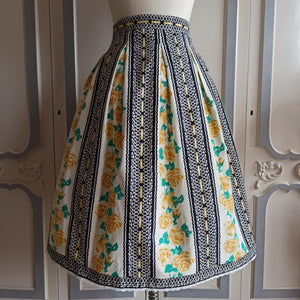 1950s - Adorable Yellow Roses Print Cotton Skirt - W30 (76cm)