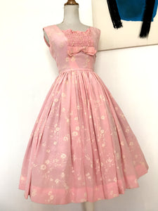 1950s - Adorable Pink Ruffled Bust Silk Dress - W25 (64cm)
