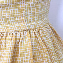 Load image into Gallery viewer, 1950s 1960s - Adorable Vanilla Cotton Halterneck Dress - W26 (66cm)
