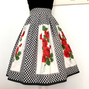 1950s - HEKA - Stunning Collector's Red Roses Cotton Skirt - W27.5 (70cm)