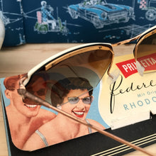 Laden Sie das Bild in den Galerie-Viewer, 1950s - DEADSTOCK - Primetta, Germany - White Feather Sunglasses