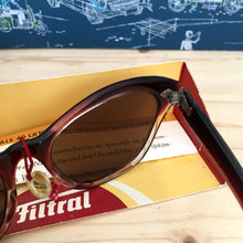 Carica l'immagine nel visualizzatore di Gallery, 1950s - DEADSTOCK - FILTRAL, Germany - Dark Wine Cat-Eye Sunglasses