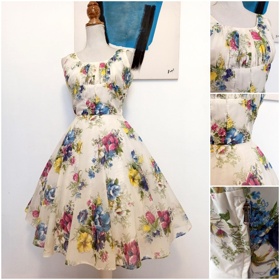 1950s - Beautiful Floral Day Sheer Dress - W25 (64cm)