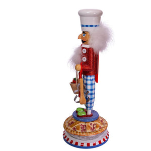 "17""  Apple Pie Baker Nutcracke"