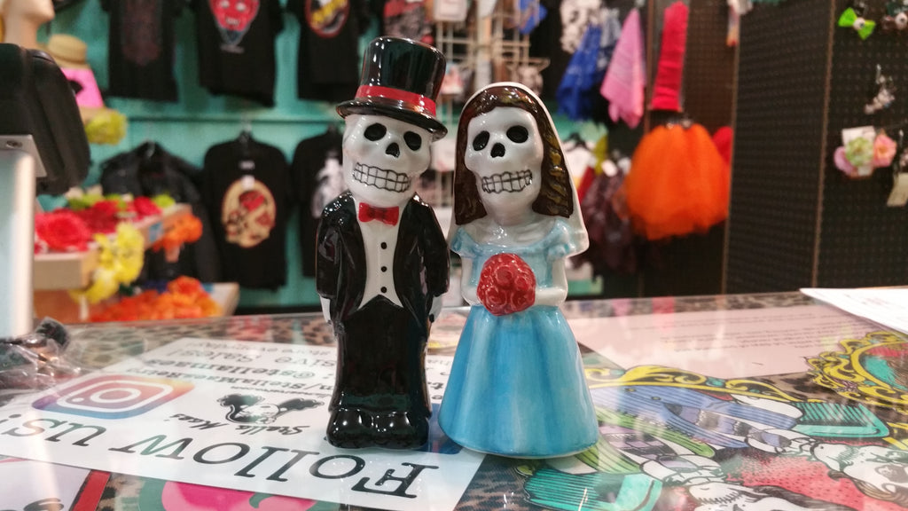 Love Never Dies Salt and Pepper Shakers