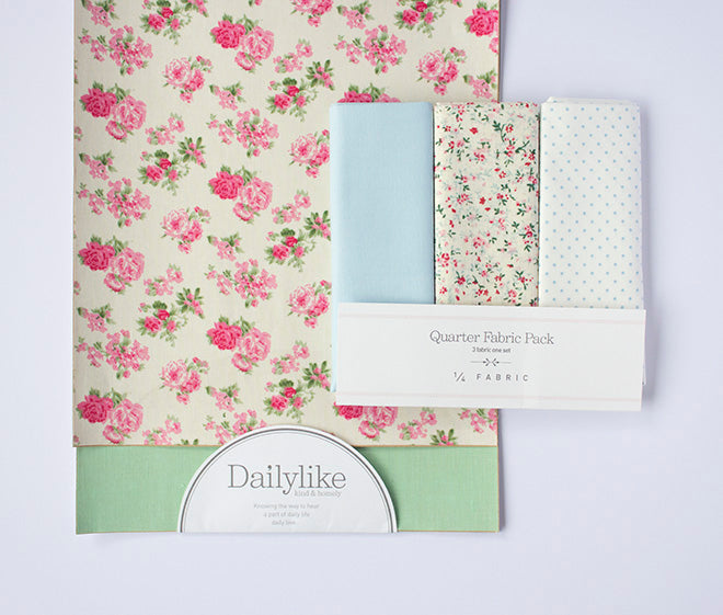 Dailylike Zip Pouch with Frill Materials