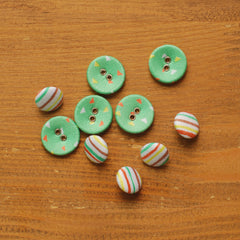 Buttons : Childhood - 10pk