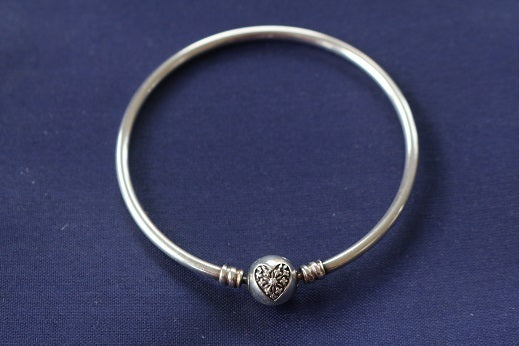 Pandora -  You Melt My Heart Bangle - Size 19