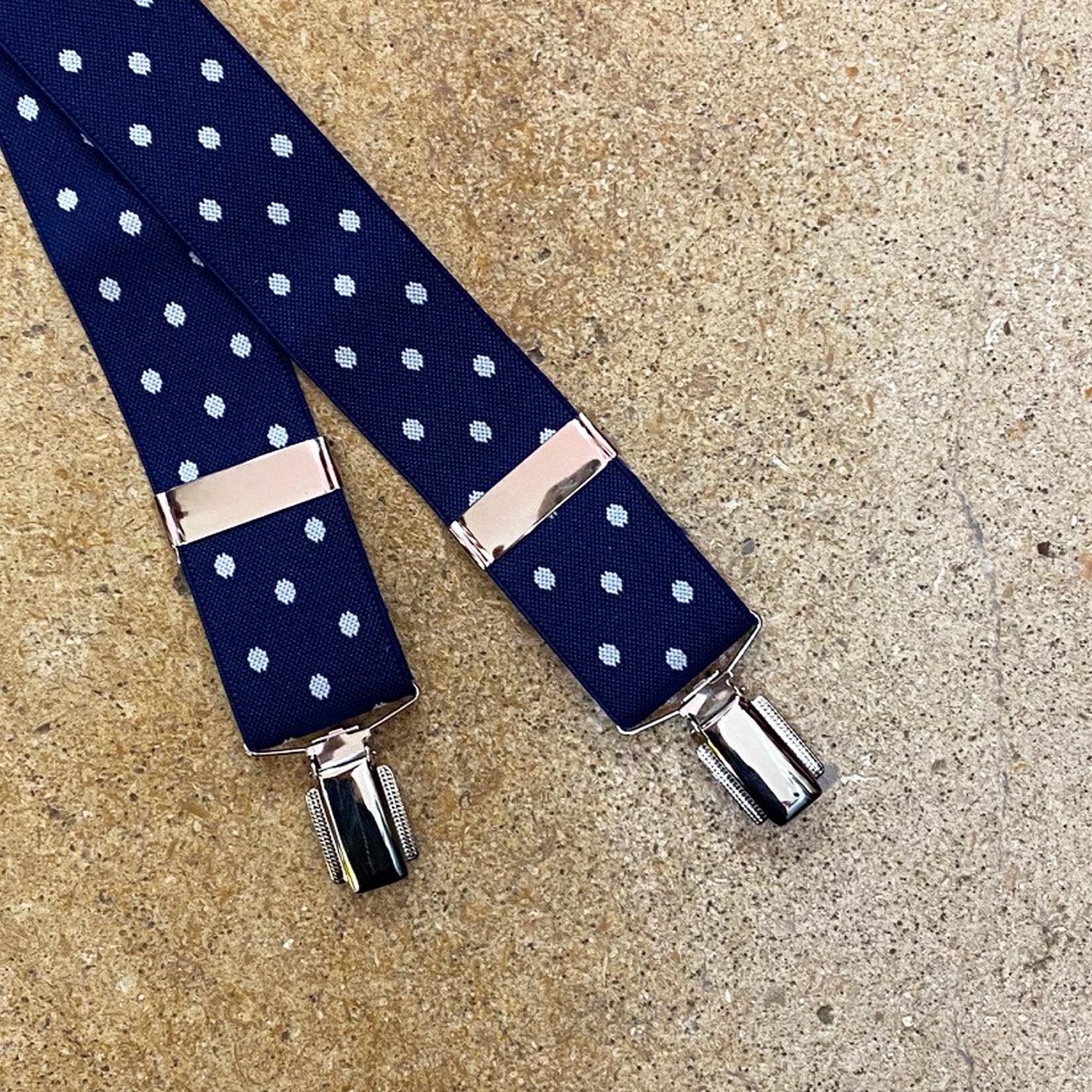 "Hunt & Holditch 1 3/8"" Braces with Nickel Feather Clips for Men in Navy Spot"