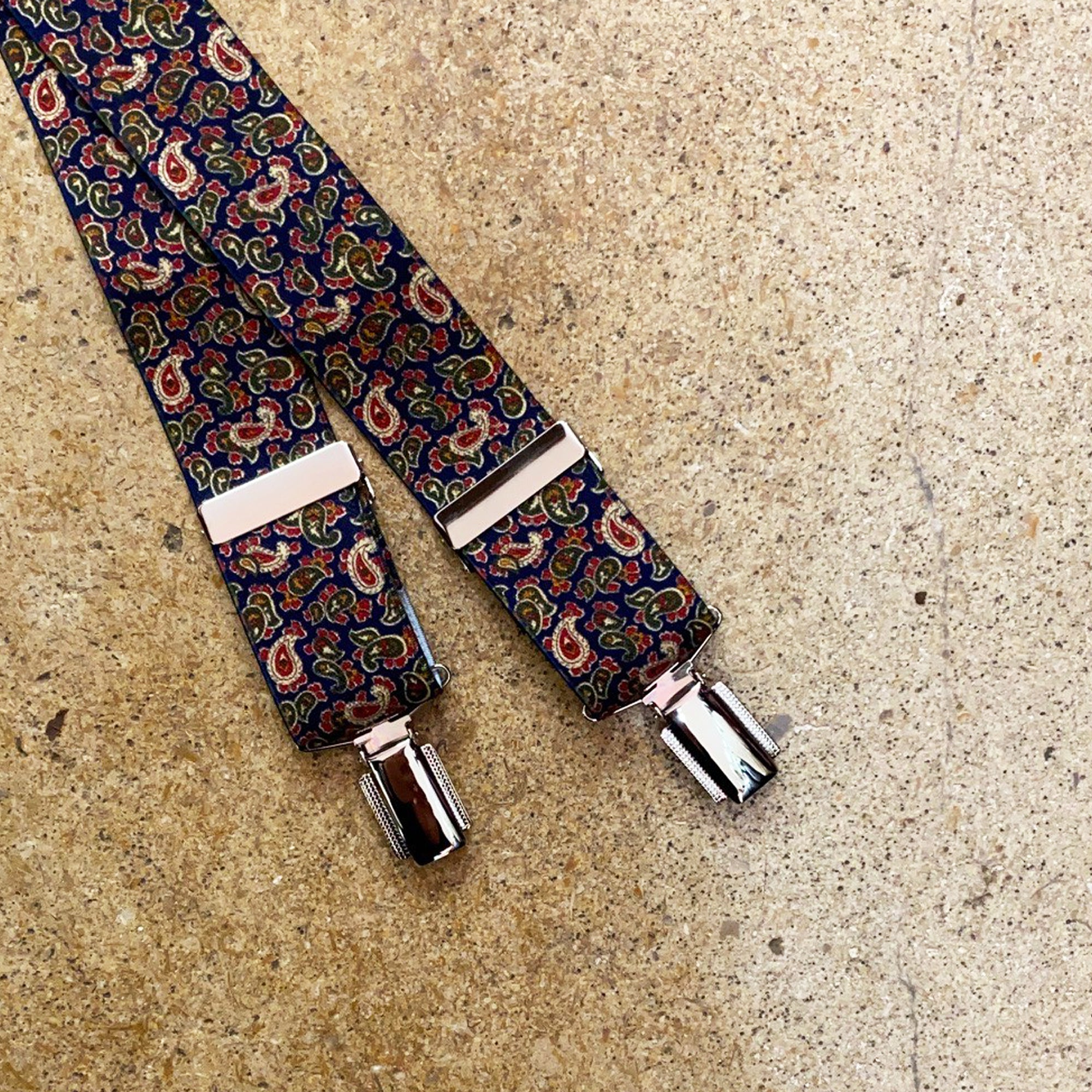 "Hunt & Holditch 1 3/8"" Paisley Braces with Nickel Feather Clips for Men in Navy"