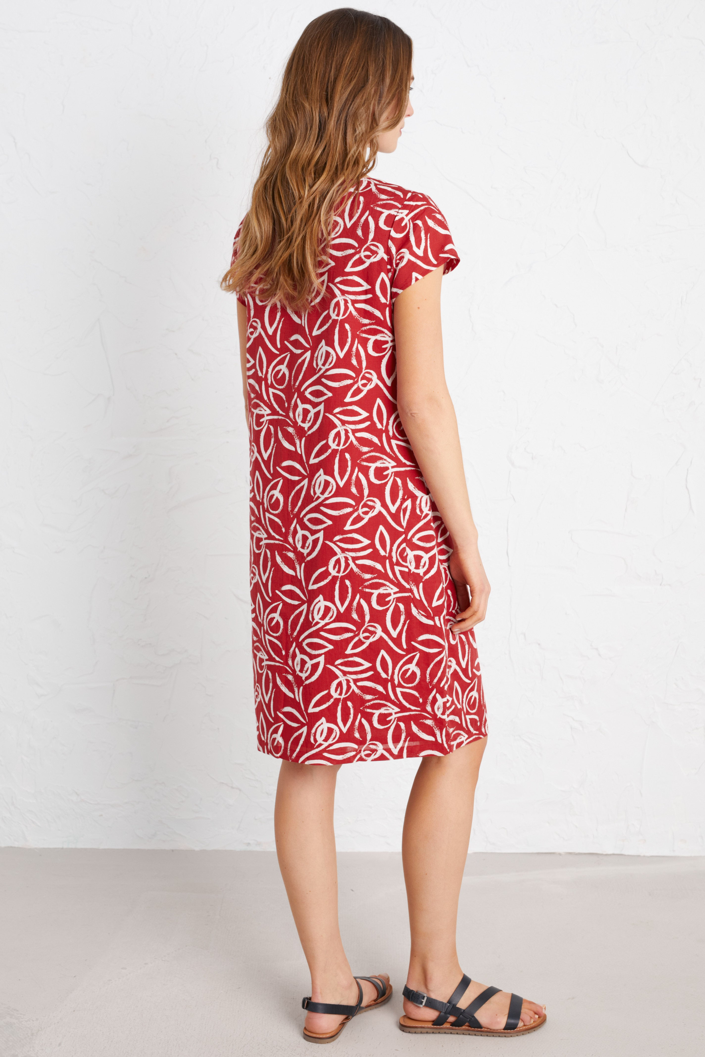 Seasalt River Cove Dress for Ladies in Painterly Leaf Rudder