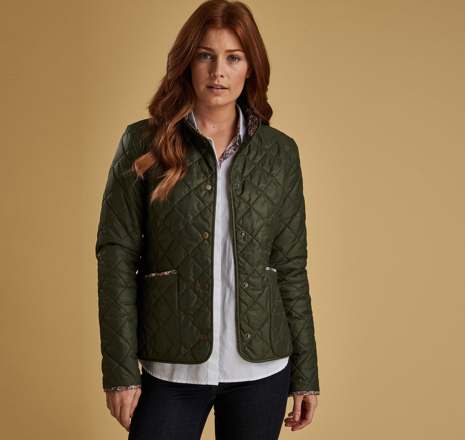 Barbour Evelyn Quilt for Ladies in Olive / Morris Butterfly Print