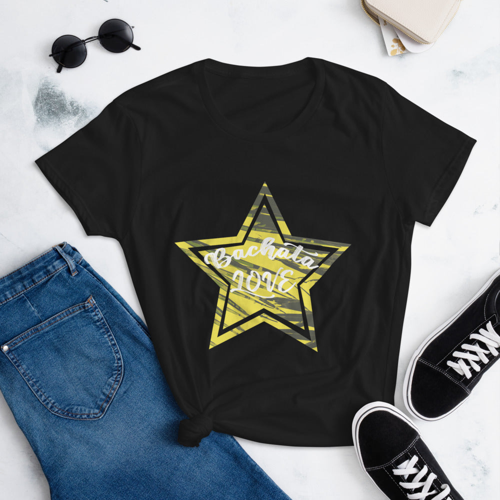BACHATA LOVE ESTRELLA / Fashion Fit T-Shirt