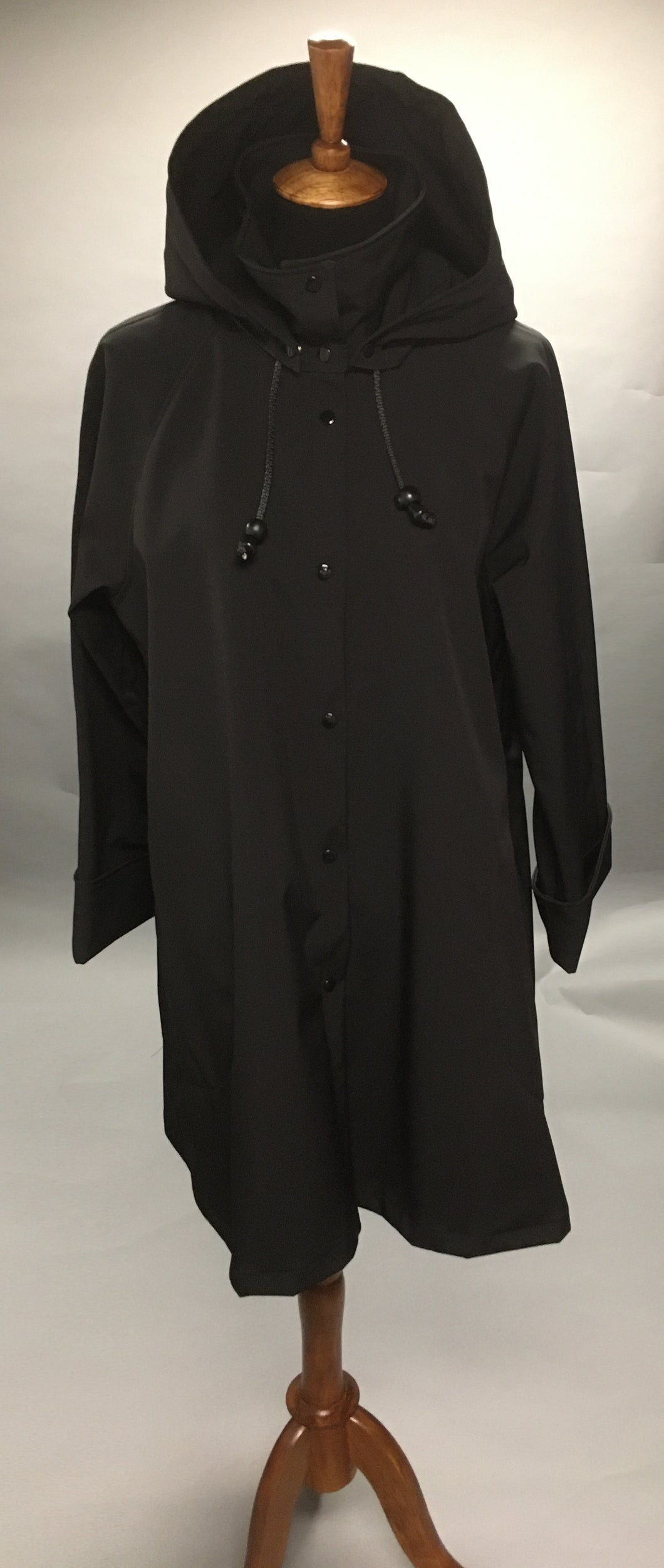 *Women's Black Mesh Lined Snap Raincoat (SM0220A)