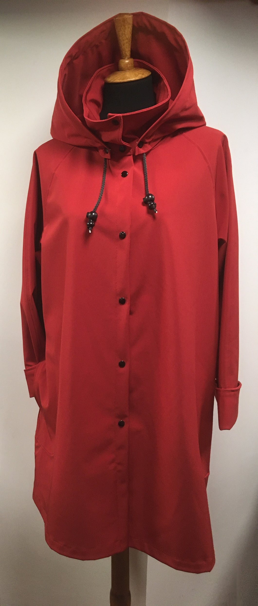 *Women's True Red Mesh Lined Snap Raincoat (SM0919I)