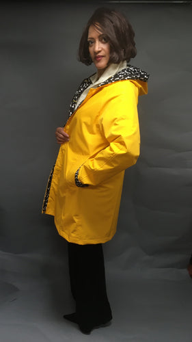 *Women's Sunflower Yellow Outer Reversible Raincoat (RR/C 1016A)