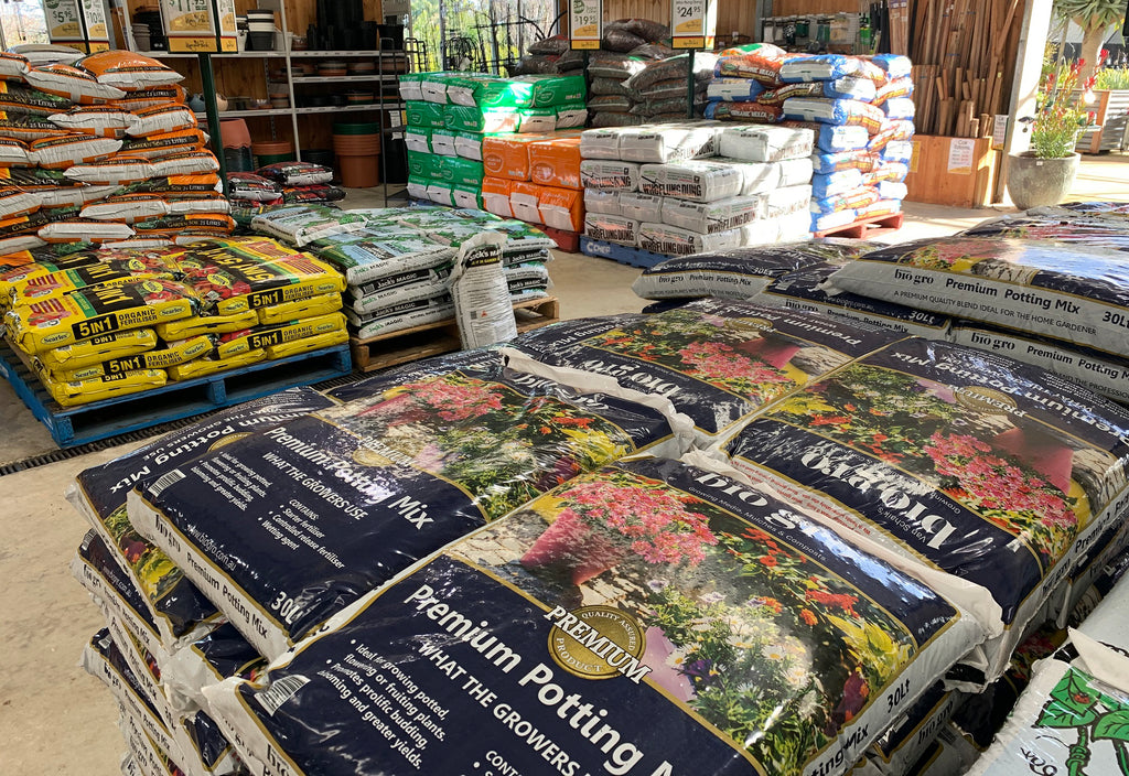 POTTING MIX, MULCH, COMPOST