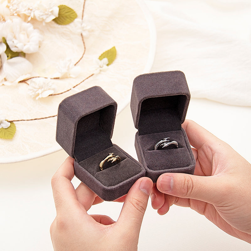 2021 New-Couple Hug Ring Womens Day Gift Friends Mother Sister Girlfriend Gift