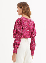 Load image into Gallery viewer, Luna Smocked Sleeve Blouse
