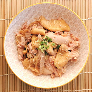Shredded chicken with sesame (#芝麻手撕雞)