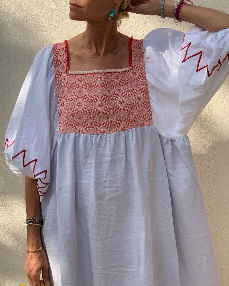 Mid-sleeve cotton and linen dress