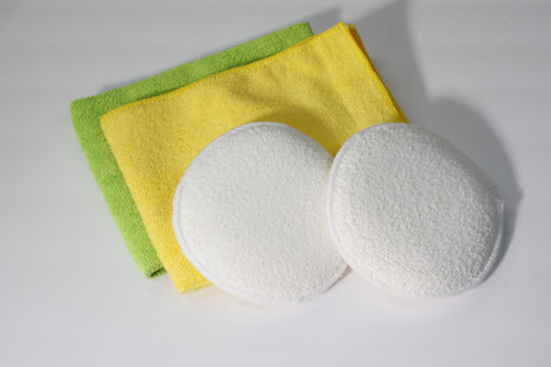 Microfiber applicator with towels