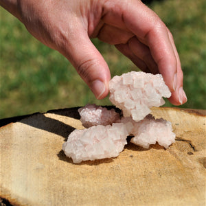 Pink Halite |Open the Heart and Connect with the Loving Energy of the Universe.| [raw: Price for one crystal]