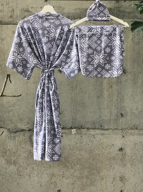 Maternity robe and swaddle set boy. Mommy and me robe and swaddle set boy. In organic stretch cotton. Gray Snow Flakes Matching t-shirts available. - comfymommyshop.in