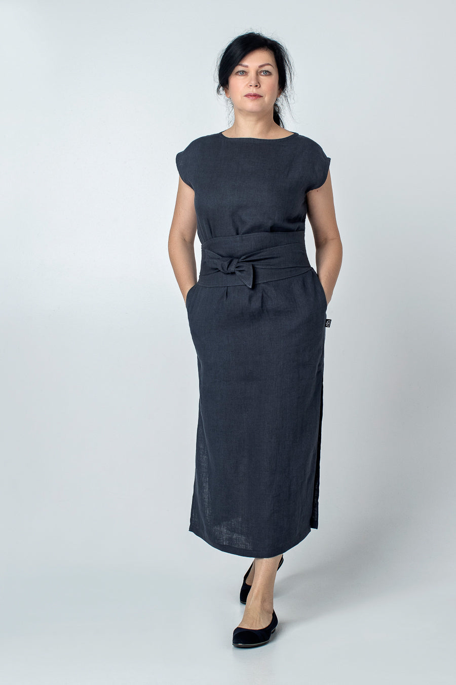 SOTI | 1940 pencil linen dress