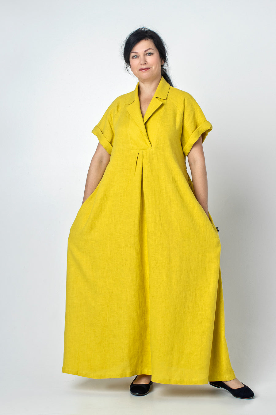 YUNA | Linen dress with pockets and collar
