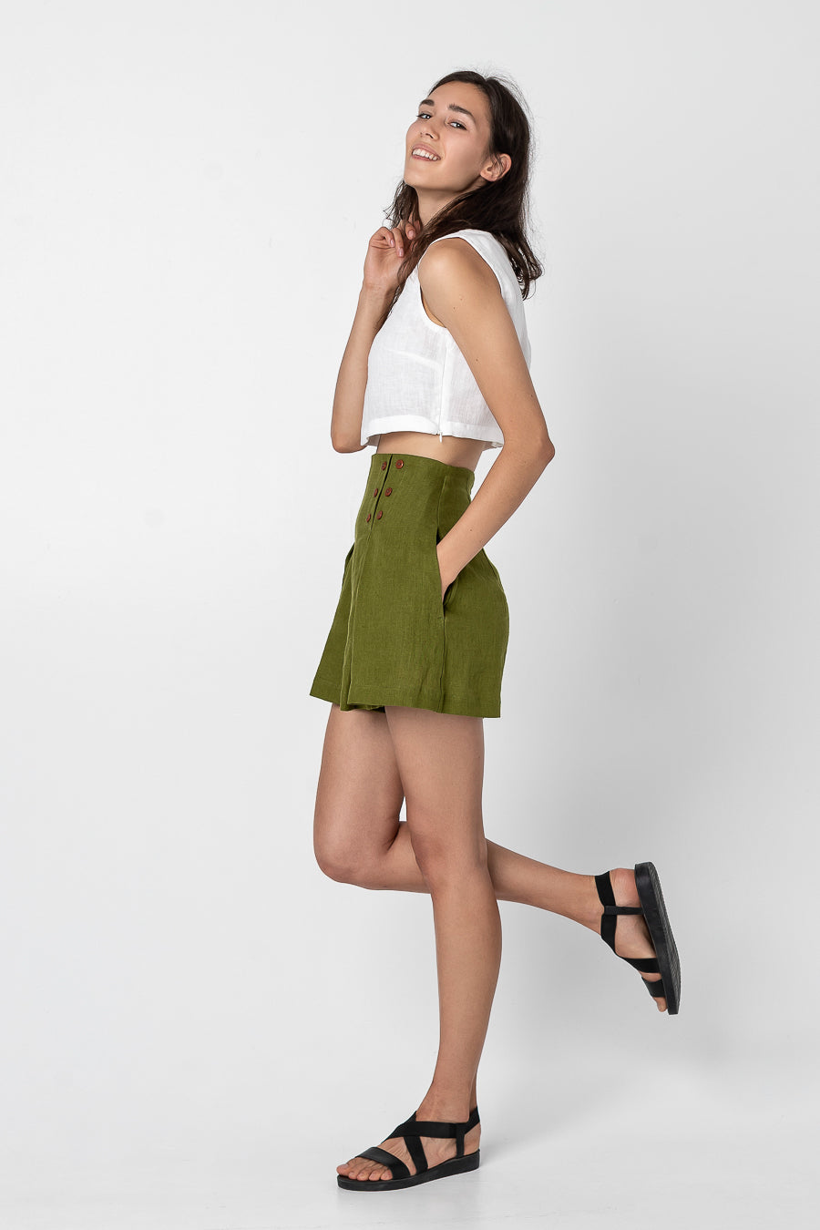 AKARI | Linen shorts with pockets
