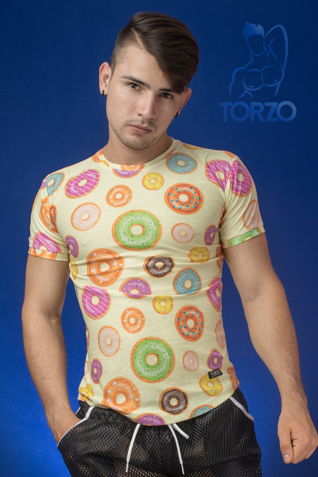 PLAYERA. Donas amarillo