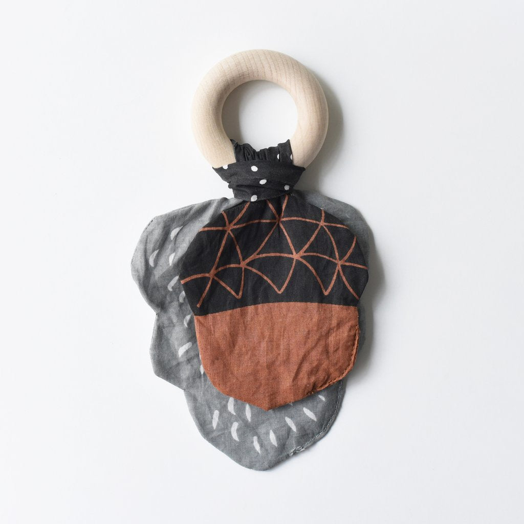 Crinkle Teether - Acorn