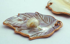 Blister Mother-of-Pearl Leaf Pendant