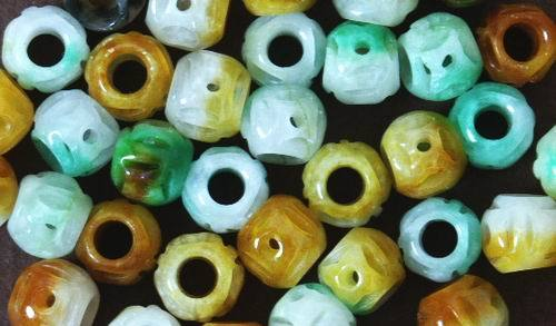 25 Carved Chinese Green/Yellow Jade Beads - Unusual!