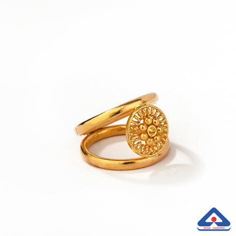 22 Karat Gold Ring With Filigree & Taar Phool Work